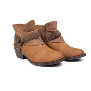 Maurices Bailey brown ankle boots block heel 9